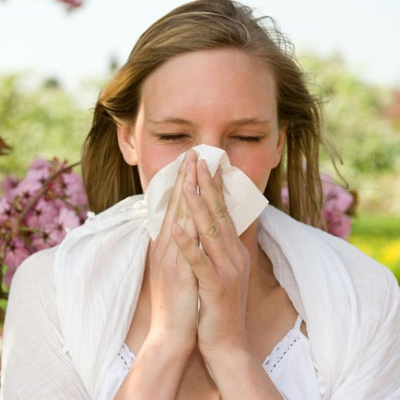 woman-with-allergies