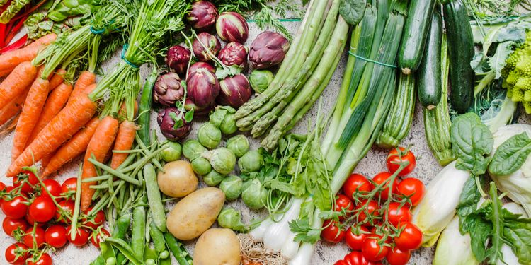Photo of various vegetables that help digestion