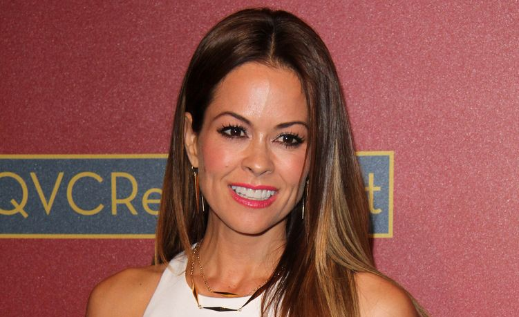 Photo of Brooke Burke Chavret who suffered from thyroid cancer