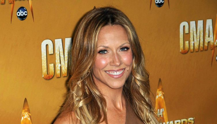 Photo of Sheryl Crow smiling