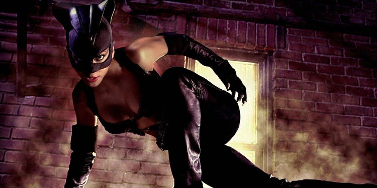 Photo of Halle Berry in Catwoman looking slender