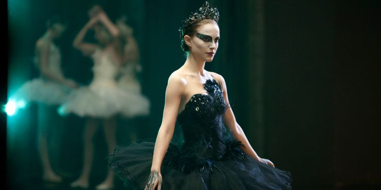 Photo of Natalie Portman in Black Swan who was very thin and fit