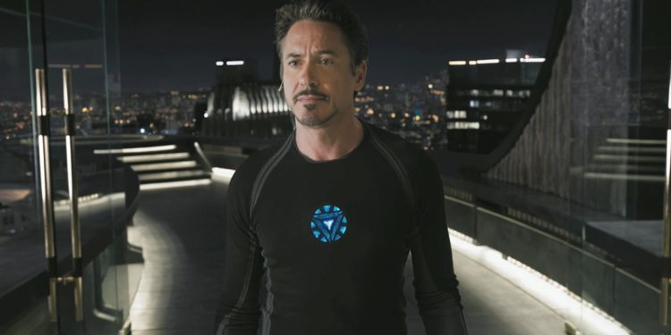 Photo of Robert Downey Jr in Iron Man looking fit