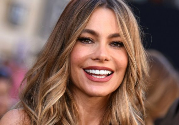 Sofia Vergara Thyroid Cancer Survivor