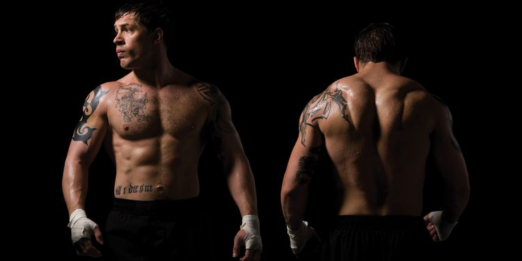 Photo of Warrior, Tom Hardy loking ripped