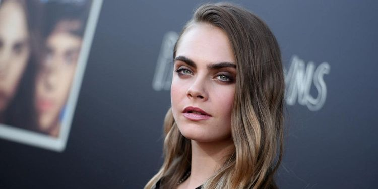Photo of Cara Delevigne who suffers from dypsraxia