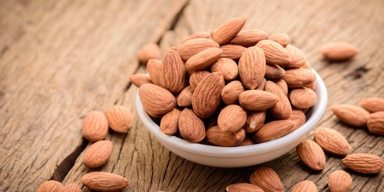 Image of ALMONDS, food that makes you more desirable