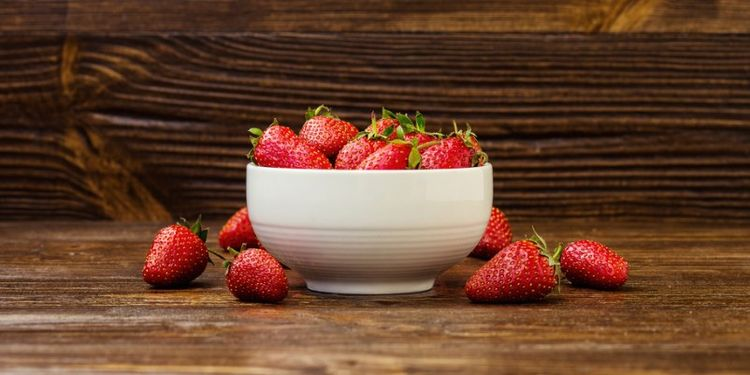 Image of STRAWBERRIES, food that makes you more desirable