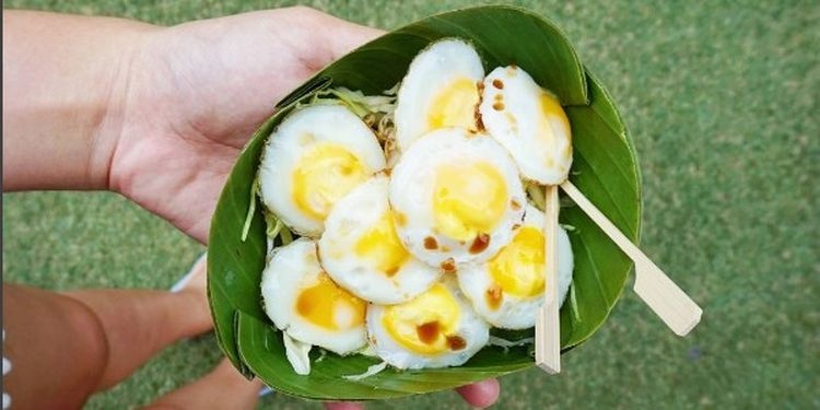 Image of eggs in the leaves
