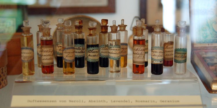 Photo of classical essential oils in museum Basel