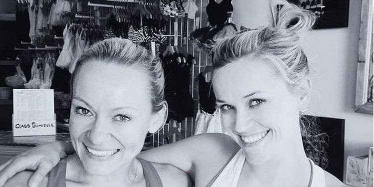Image of Simone and Reese Witherspoon