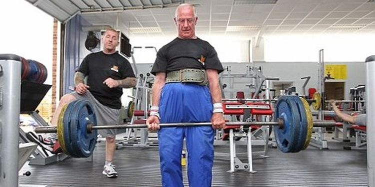 Image of Ted Brown one of the strongest seniors in the world