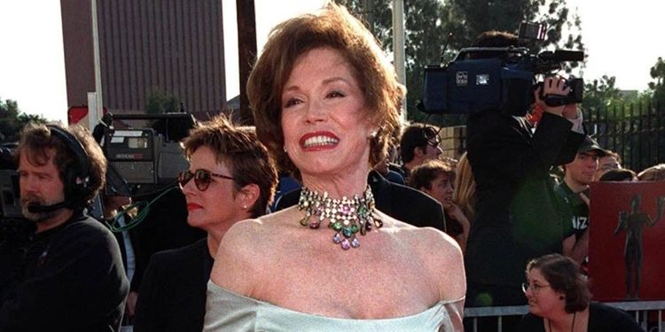 Image of MARY TYLER MOORE who rised above her diabetes diagnosis