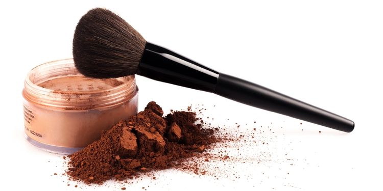 Photo of a make-up brush with powder